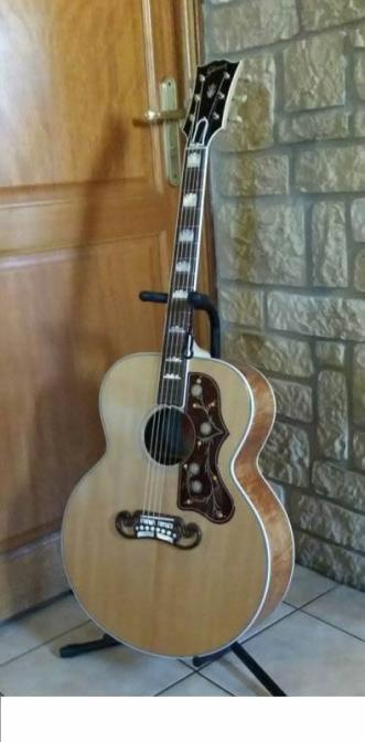 guitare Gibson SJ 200